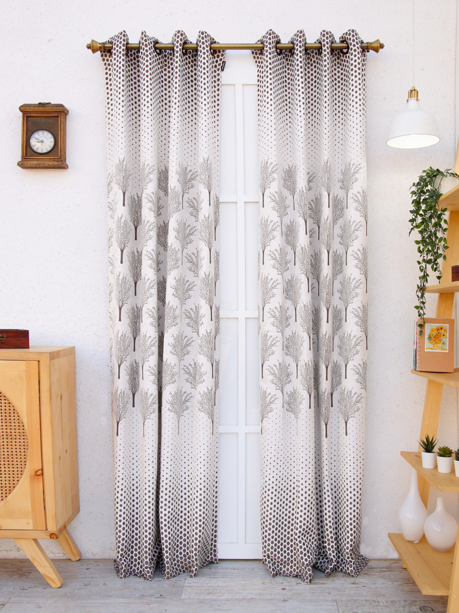Valerian Curtain