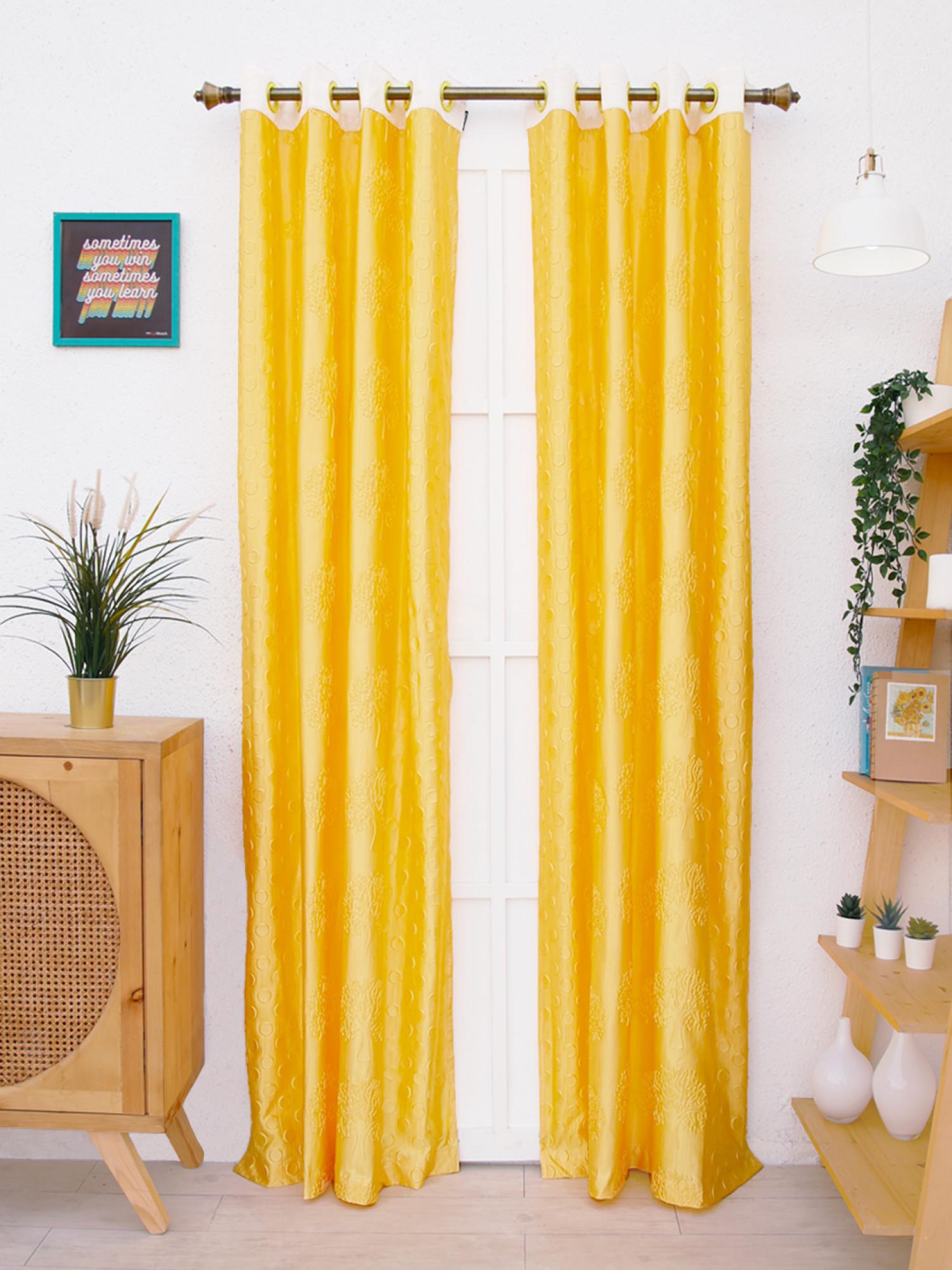 Feverfew Curtain
