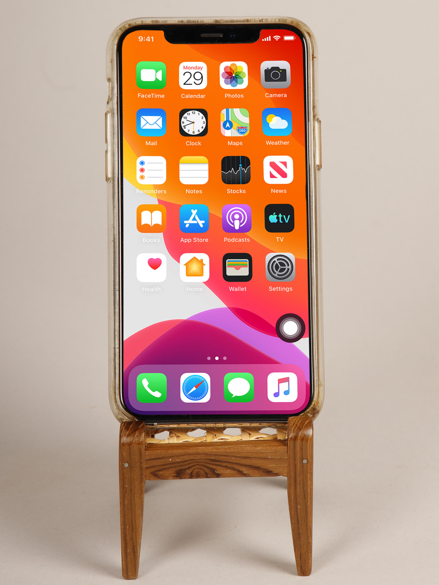 ARiANA Handcrafted Wooden Mobile Stand - Chair